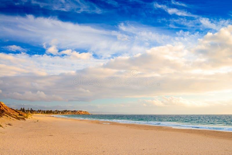 Nolla-` Sullivan Beach på solnedgången, södra Australien arkivbild