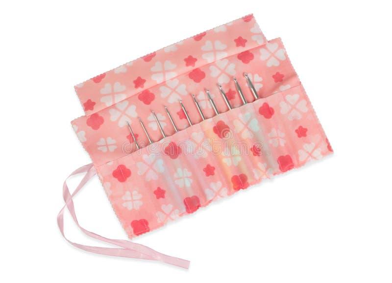 Nombres de crochets de crochet dans la belle caisse de tissu photos stock