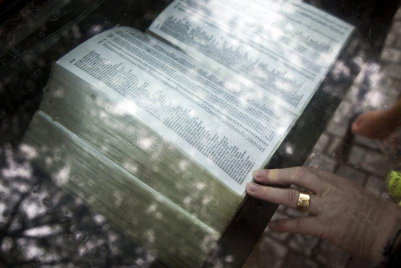 Nombres de las muertes de la guerra de Vietnam encendido fotos de archivo libres de regalías