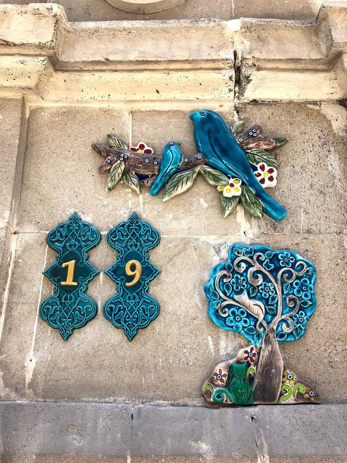 Nombres de maisons dans la vieille ville bakou l'azerba?djan photos libres de droits