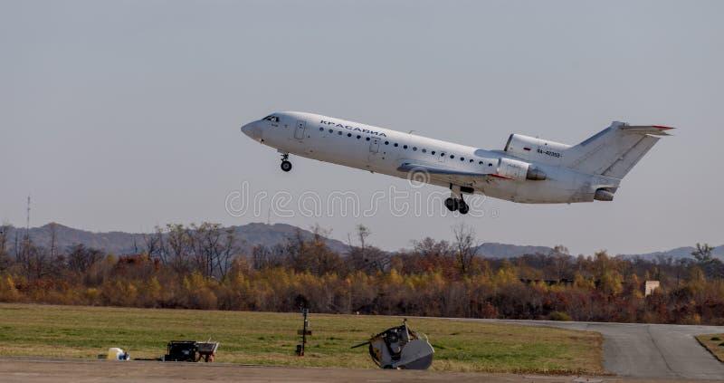 Nome di segnalazione di NATO di Yakovlev Yak-42 degli aerei di aereo di linea: Demolisca della società di linee aeree di KrasAvia fotografie stock