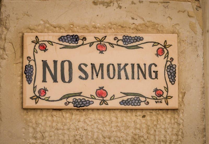 Non fumatori canti ceramica immagini stock libere da diritti
