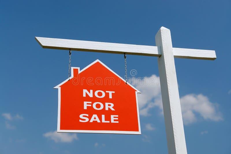 Non per il signpost di vendita immagini stock