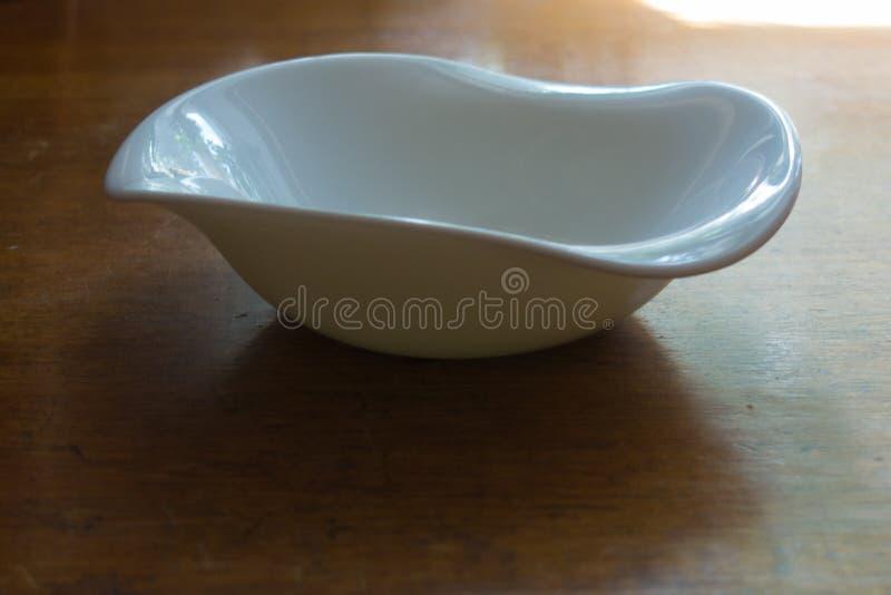 Non - symetryczny pusty ceramiczny puchar obrazy stock