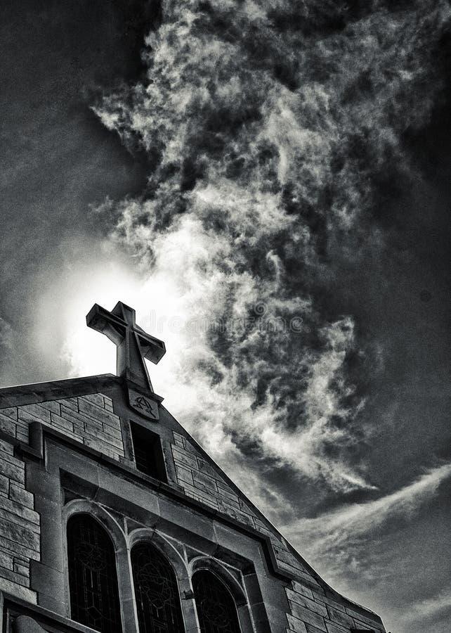 Download 光 库存图片. 图片 包括有 宗教信仰, 天空, 灵性, 基督徒, 来源, 交叉, 宗教, 云彩, 教会 - 22354613