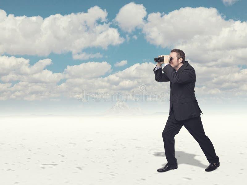 Download 看 库存照片. 图片 包括有 查找, 突出, bink, 空白, 活动家, 横向, 天空, 商业, 沙漠 - 30333250