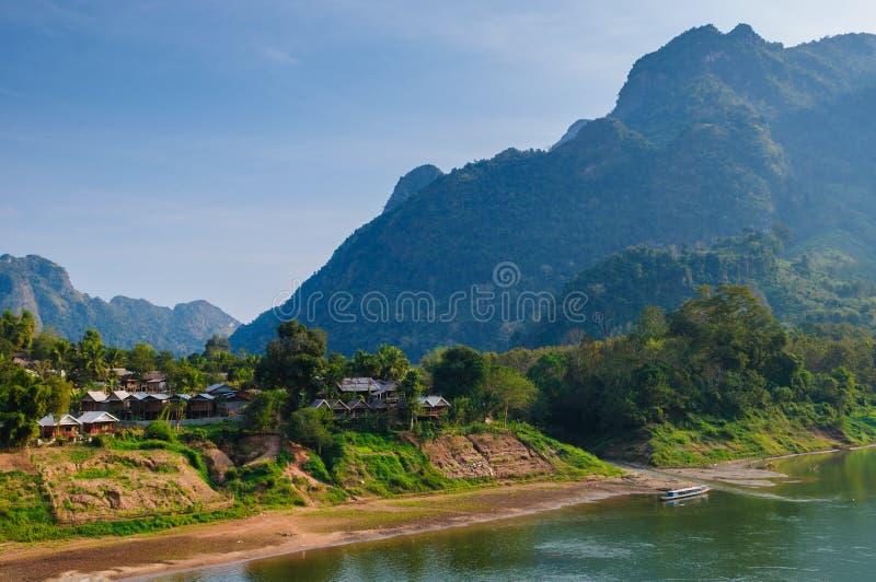 Nong khiaw rzeka, Północna Laos zdjęcia royalty free