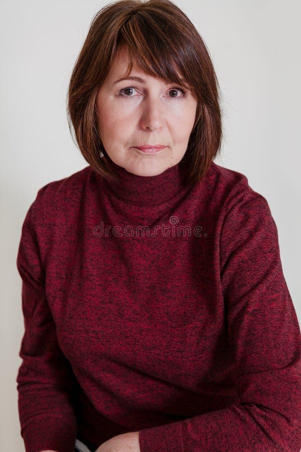 Nonna alla moda Donna alla moda ed esile a qualsiasi età fotografie stock libere da diritti