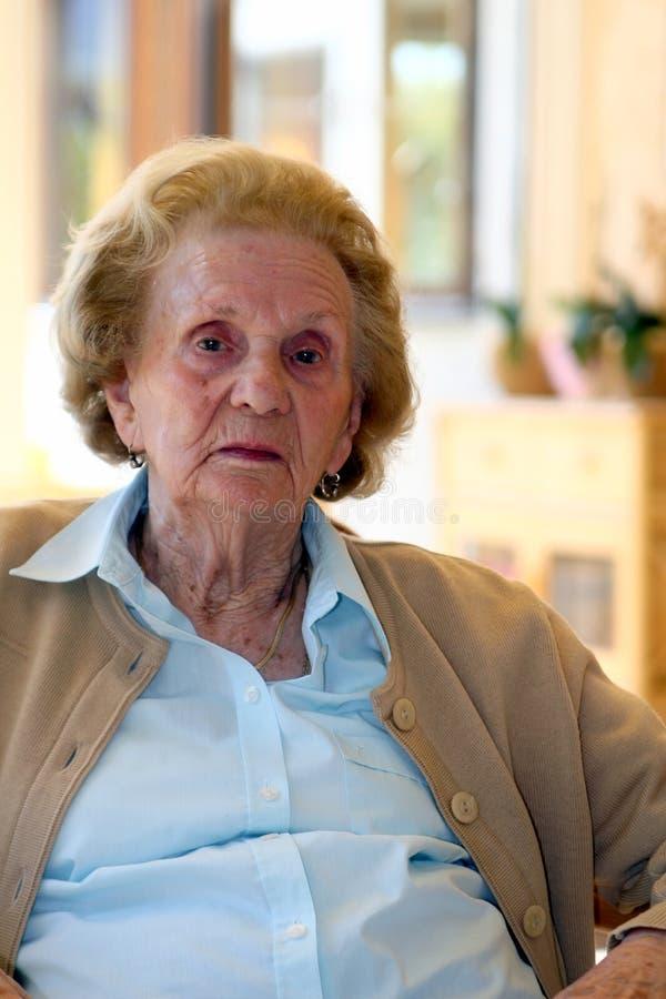 Nonna anziana immagini stock libere da diritti