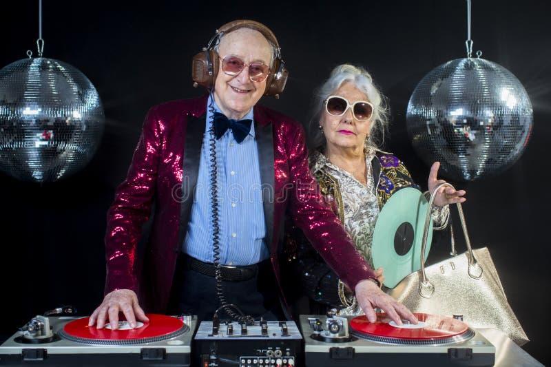 Nonna e nonno del DJ fotografie stock