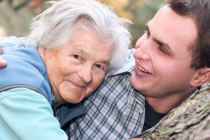Nonna ed il suo nipote fotografia stock libera da diritti