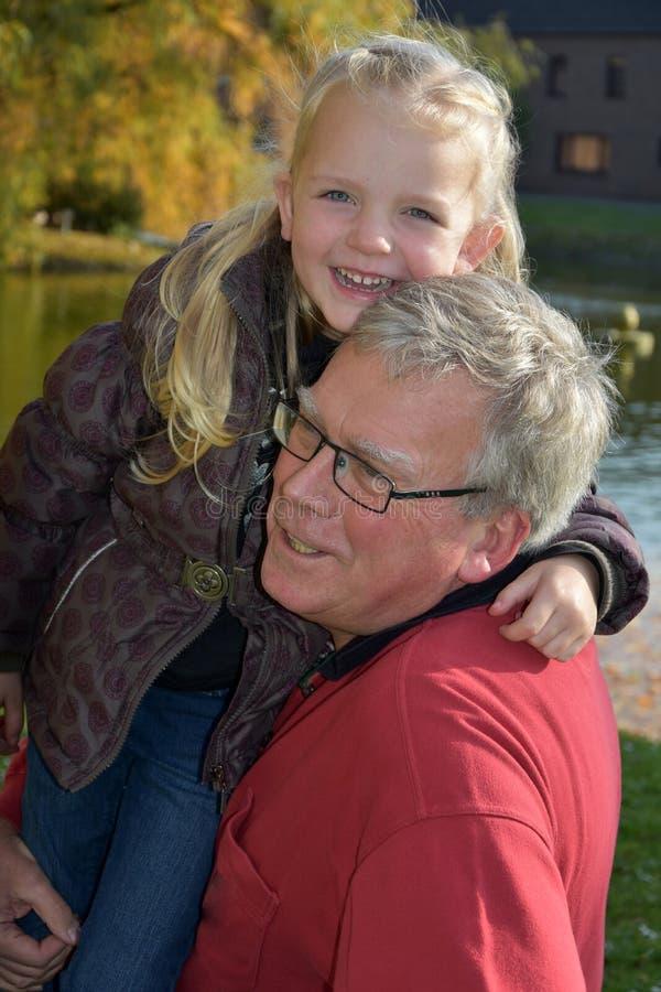 Nonno con il nipote fotografie stock libere da diritti