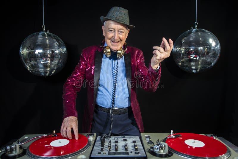 Nonno del DJ fotografie stock