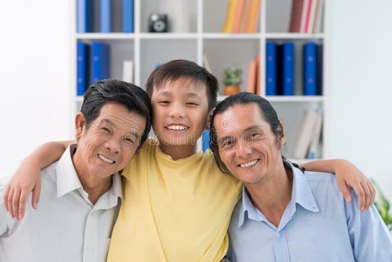 Nonno, padre e figlio fotografia stock libera da diritti
