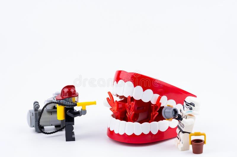 Nonthabure, Таиланд - 17-ое мая 2017: Sto пожарного Lego и Lego стоковые изображения