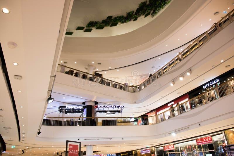 Nonthaburi,泰国3月4日2018年:很多时尚商店在中环广场Westgate 库存照片