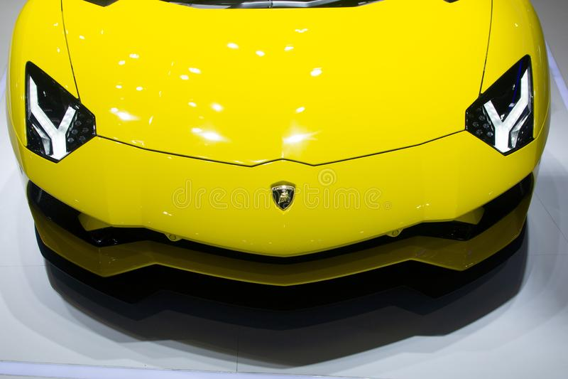 Nonthaburi, Ταϊλάνδη - 6 Δεκεμβρίου 2018: Κίτρινα έξοχα αθλητικά αυτοκίνητα Aventador Lamborghini στη μηχανή EXPO κλείστε επάνω τ στοκ φωτογραφία