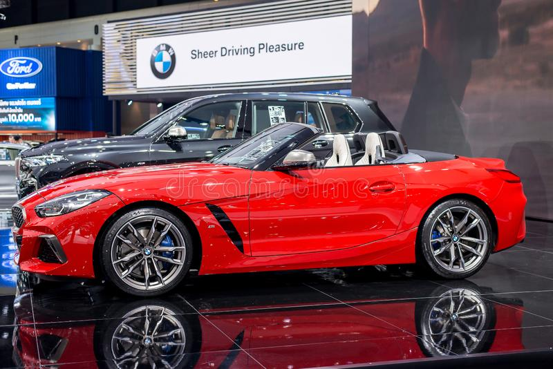 NONTHABURI, ΤΑΪΛΑΝΔΗΣ - 4,2019 ΜΑΡΤΙΟΥ: Όλο το νέο κόκκινο χρώμα της BMW Z4 στους θαλάμους στη ΔΙΕΘΝΉ ΈΚΘΕΣΗ ΑΥΤΟΚΙΝΉΤΟΥ 2019, Ex στοκ εικόνες