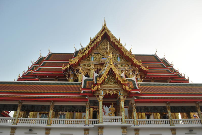 Nonthaburi buakwan Tailândia do wat budista bonito da construção foto de stock royalty free