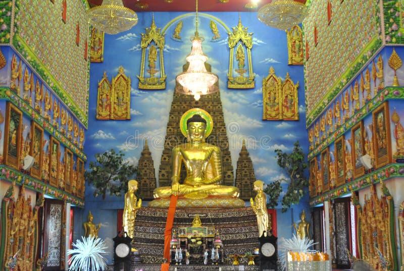 Nonthaburi buakwan Tailândia do wat budista maravilhoso da construção da introspecção foto de stock