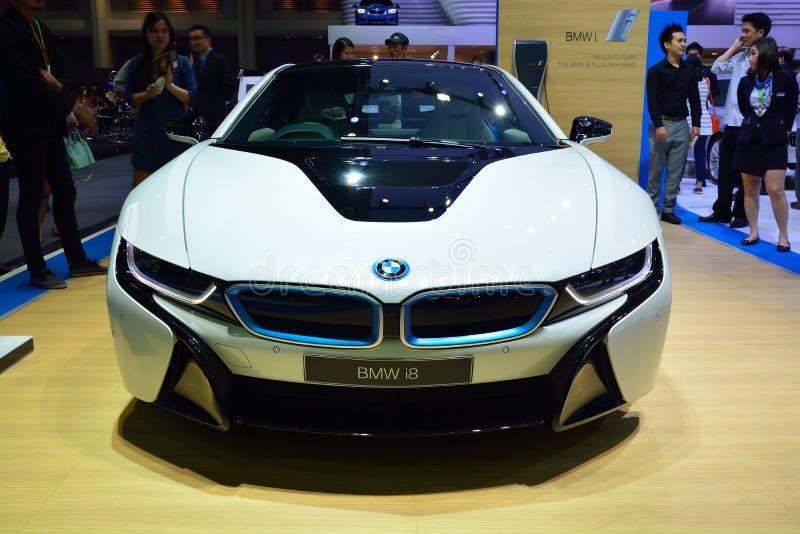 NONTHABURI - 1ER DÉCEMBRE : Nouvel affichage de voiture de sport de BMW I8 chez Thaila images libres de droits