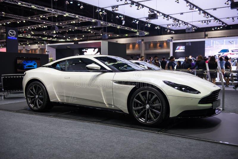 NONTHABURI, TAILANDIA - DICIEMBRE 9,2017: Vista del coche de Aston Martin DB11 en la exhibición en la expo internacional 2017, ex fotografía de archivo