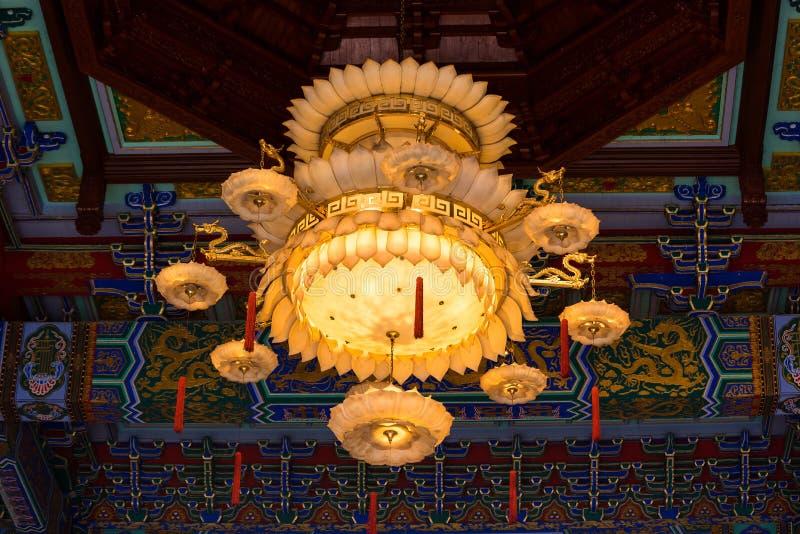 Nonthaburi, Tailandia - junio, 08, 2017: Interior chino de la lámpara de fotos de archivo