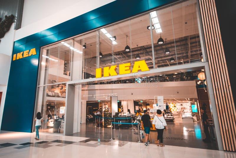 NONTHABURI, TAJLANDIA: Lipiec 18, 2018 - wejście IKEA sklepu uderzenie Yai w Środkowym Westgate centrum handlowym obrazy stock