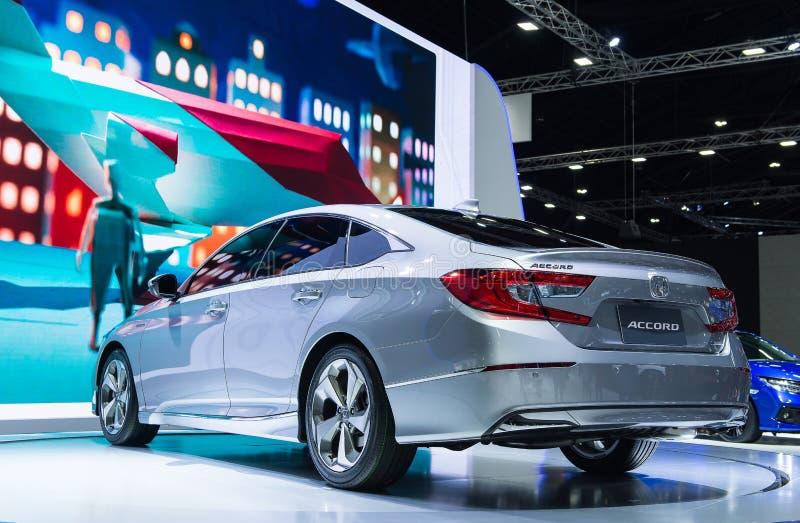 NONTHABURI THAILAND - DECEMBER 6,2018: Ny Honda Accord för sikt allra bil 2019 på skärm på Thailand internationell motorexpo 201 royaltyfri bild