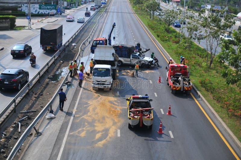Nontraburi, Tailandia - 30 de enero de 2018: Accidente del choque de coche encendido imágenes de archivo libres de regalías