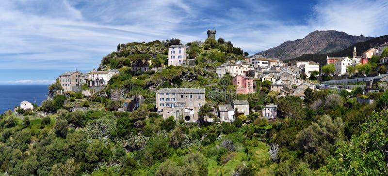 Nonza by i den Cap Corse halvön arkivfoto