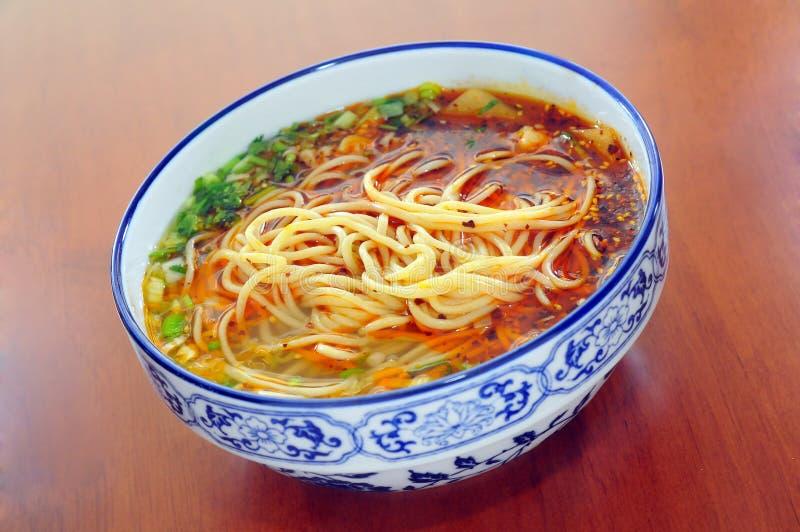 Download Noodles chińskich obraz stock. Obraz złożonej z tableware - 53788677