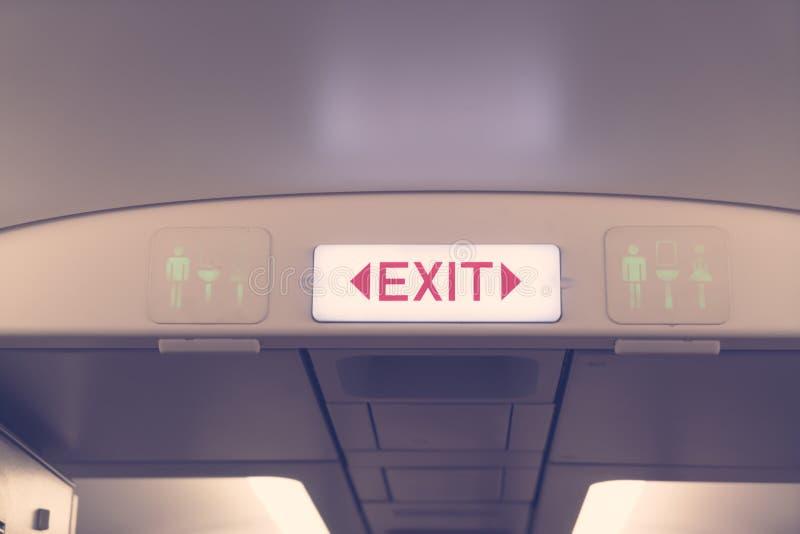Nooduitgang in vliegtuigen (het Gefiltreerde beeld verwerkte uitstekend EF stock fotografie