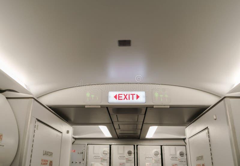 Nooduitgang in vliegtuigen (het Gefiltreerde beeld verwerkte uitstekend EF royalty-vrije stock afbeelding