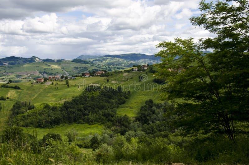 Noordelijk Italië - Idyllisch landschap stock afbeeldingen