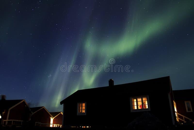 Noordelijke lichten over Hamnoy III stock foto's