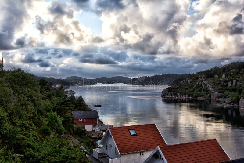 Noordelijke lichten over Noorwegen stock fotografie