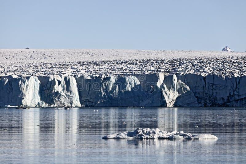 Noordpool gletsjervoorzijde in Spitzbergen, Svalbard royalty-vrije stock afbeeldingen