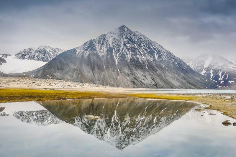 Noordpoollandschappen, Spitsbergen, Svalbard, Noorwegen royalty-vrije stock afbeelding
