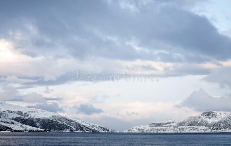 Noorse bergen royalty-vrije stock foto's
