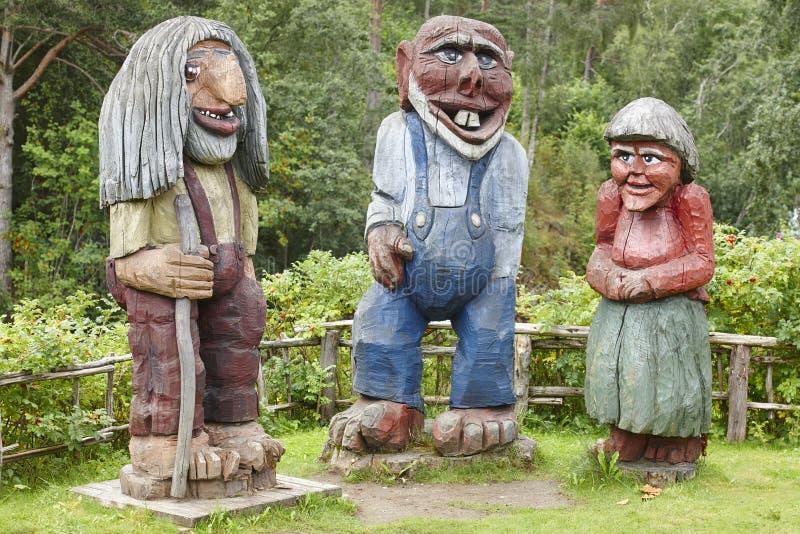 Noorse gesneden houten sleeplijnen Skandinavische folklore noorwegen royalty-vrije stock afbeeldingen