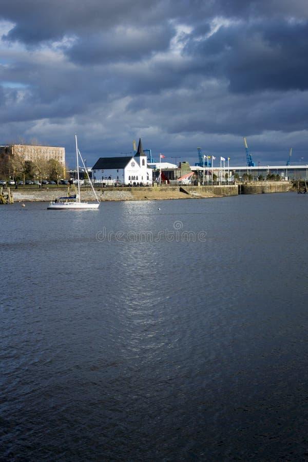 Noorse Kerk in de Baai van Cardiff stock foto's