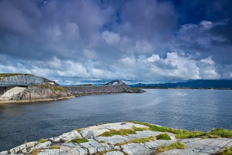 Noorwegen - Atlanterhavsvegen stock afbeeldingen