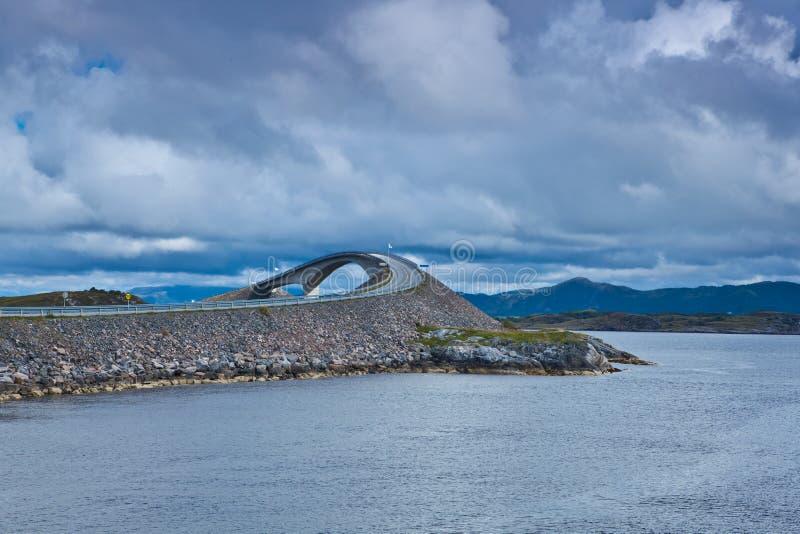 Noorwegen - Atlanterhavsvegen royalty-vrije stock afbeelding
