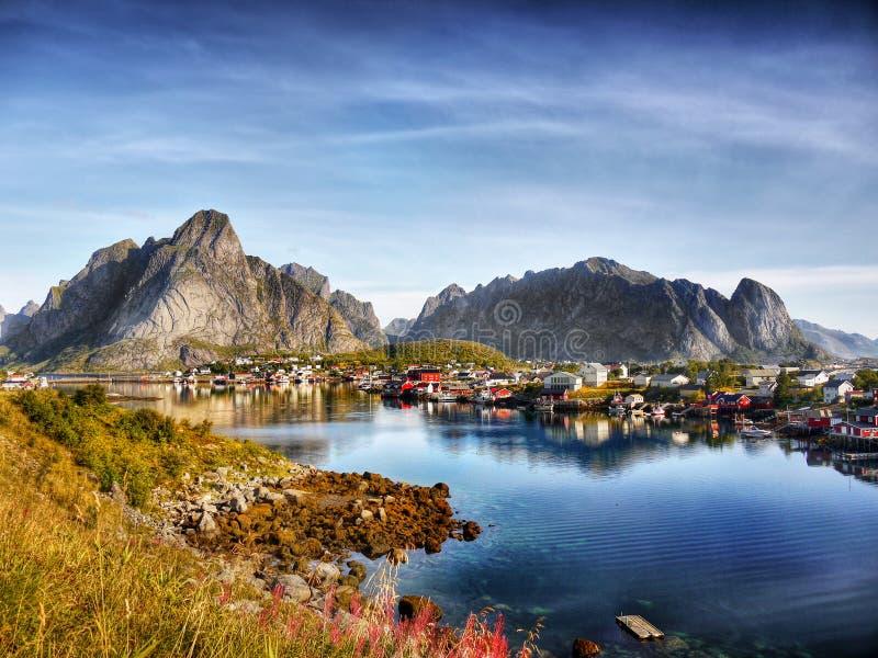 Noorwegen, de Berglandschap van de Aardkust royalty-vrije stock afbeeldingen
