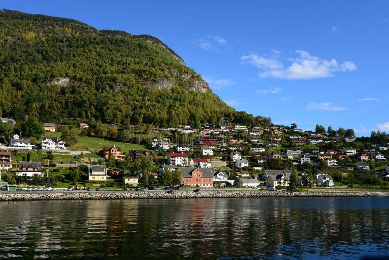 Noorwegen in notedop-Gudvangen stock afbeeldingen