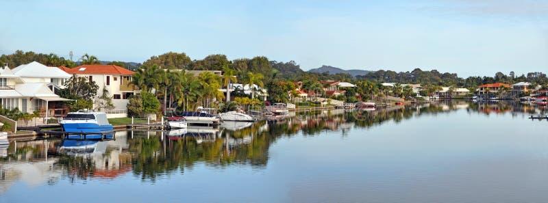 Noosa vattenhus, kanal, fartyg & brygga, Queensland Australien royaltyfri foto