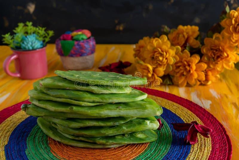 Nopales Mexicano Edible Cactus, México, cena de Kitchen fotos de stock royalty free