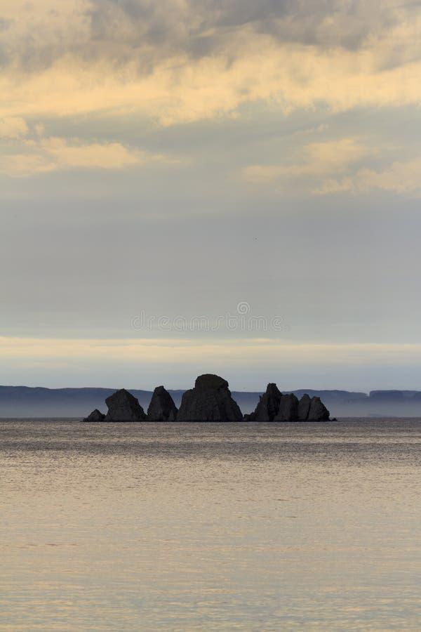 Noppen-Felsen bei Sonnenuntergang lizenzfreies stockbild
