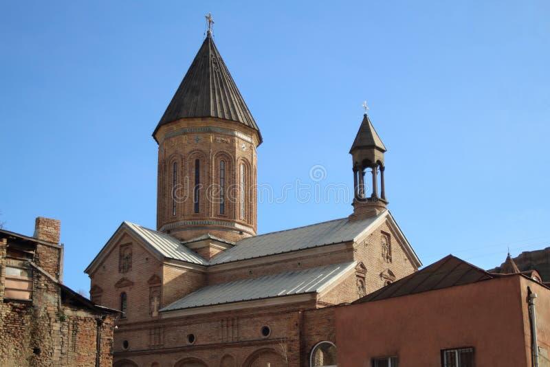 Norashen kyrka i den Tbilisi staden i vinter, Georgia arkivbilder